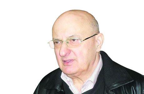 Türk Basını bir efsanesini daha yitirdi... Burhan Ayeri'yi kaybettik!