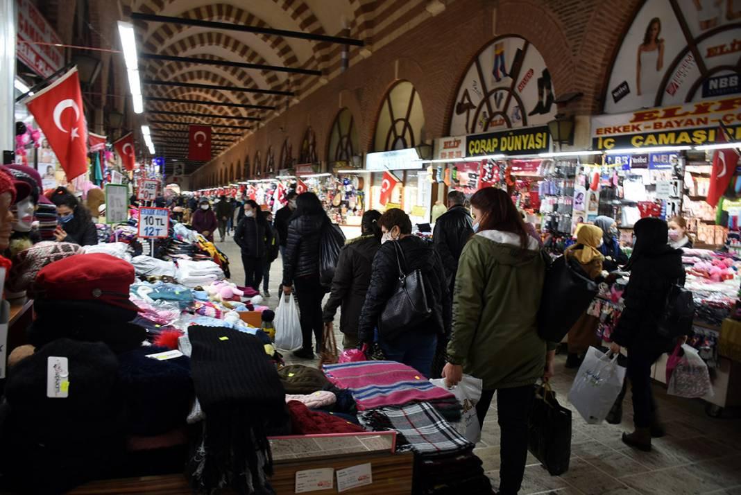 TL'deki değer kaybı sürünce, alışveriş için Türkiye'ye koşuyorlar!