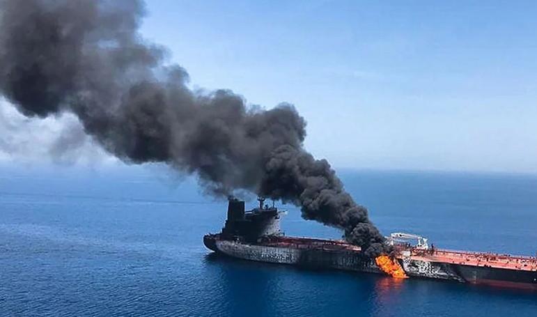 Petrol yüklü tankere saldırı!
