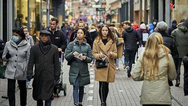 Hollanda'dan 5 hafta karantina kararı verildi