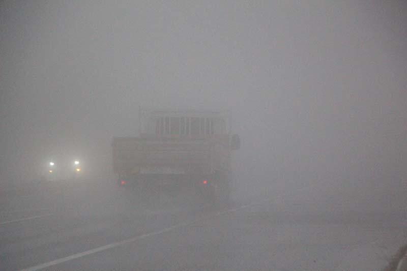 Bolu Dağı'nda yağmur ve sis nedeniyle sürücüler zor anlar yaşadı - Resim: 2