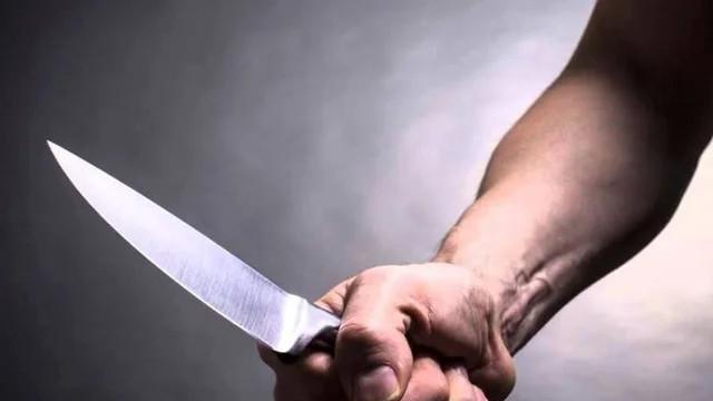 Kan donduran olay! Baba, oğlunu bıçakladı!