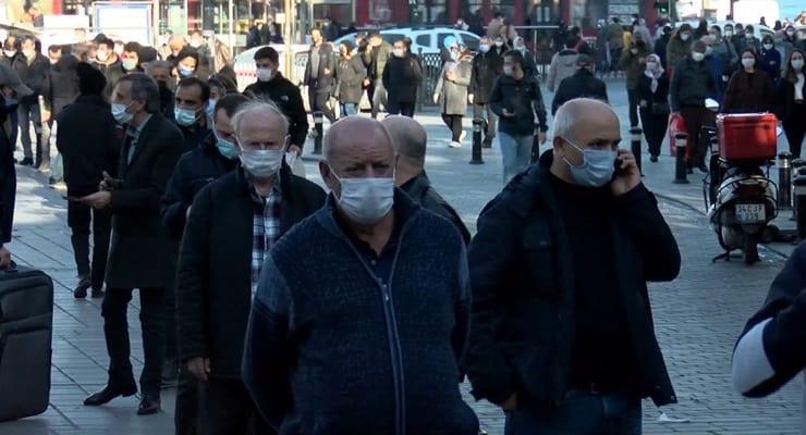 Milli Piyango yılbaşı biletleri için koronavirüs unutuldu