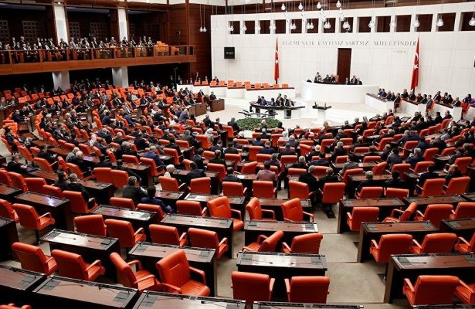 AK Parti'nin kanun teklifi TBMM'de