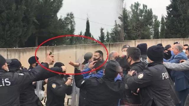 Kaçak yapının yıkımı sırasında gergin anlar! Polise saldırdılar