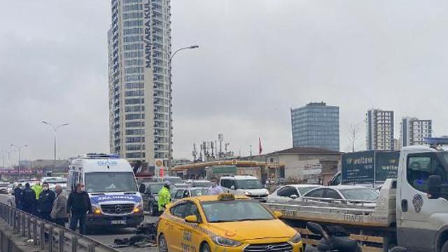 Taksiye çarpan motosiklet sürücüsü hayatını kaybetti