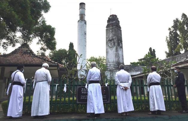 Cenaze yakma kararı Müslümanları ayağa kaldırdı
