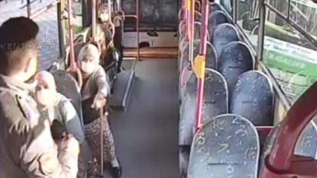 80 yaşındaki kadın yasağa rağmen bindiği halk otobüsünden inmek istemedi