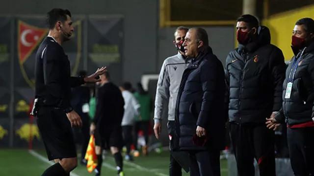 Fatih Terim'e kırmızı kart: Sen ancak bekçi olursun, futbolu bilmiyorsun