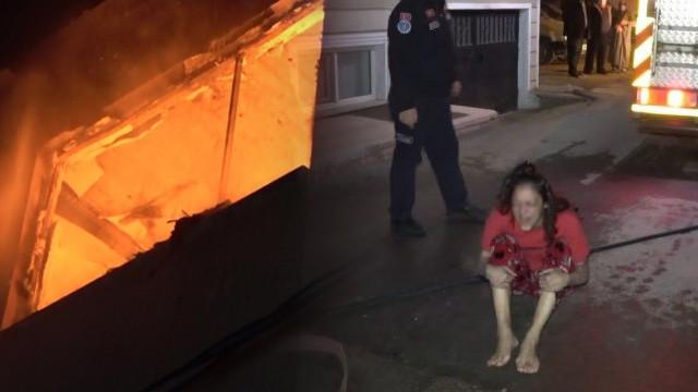 Bursa'da korku dolu anlar! Yangından kendini ıslatarak kurtuldu!