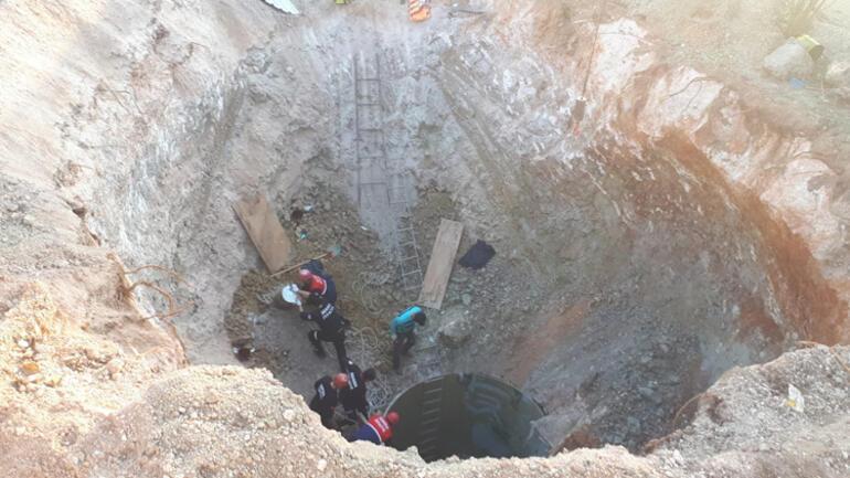 Adana'da göçük! 2 işçi toprak altında