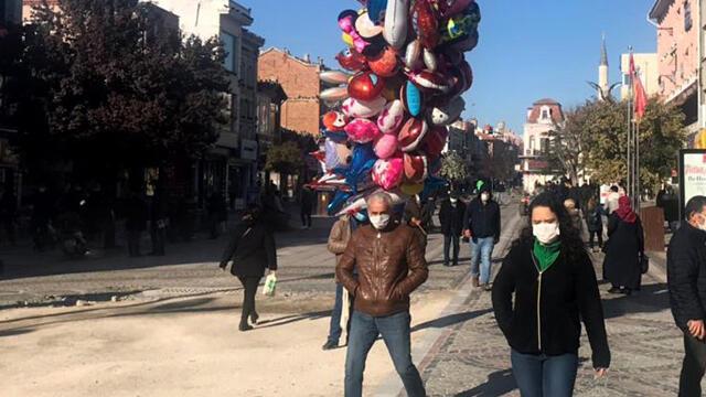 Edirne'de bazı caddelere kişi sınırlaması getirildi