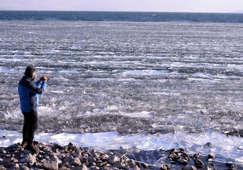 Yazın ayrı, kışın ayrı güzel! Çıldır Gölü'nde görsel şölen - Resim: 4