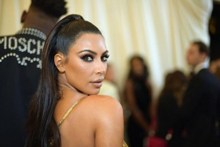 Kim Kardashian takipçilerine para dağıtacak