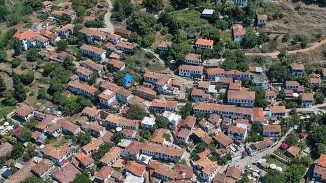 Kıyamet köyü Şirince yılbaşı tatili için tamamen doldu