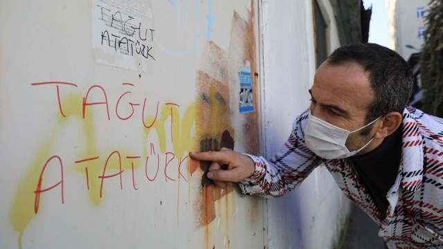 Antalya'da Atatürk'e hakarete gözaltı