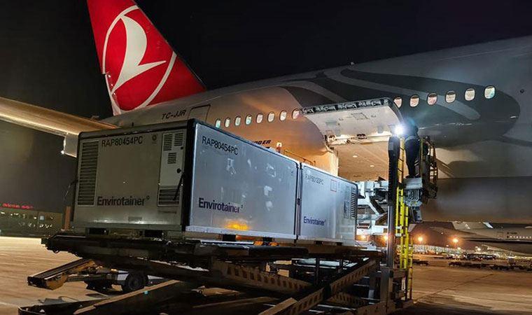 Çin aşısını taşıyan uçak Türkiye'de!