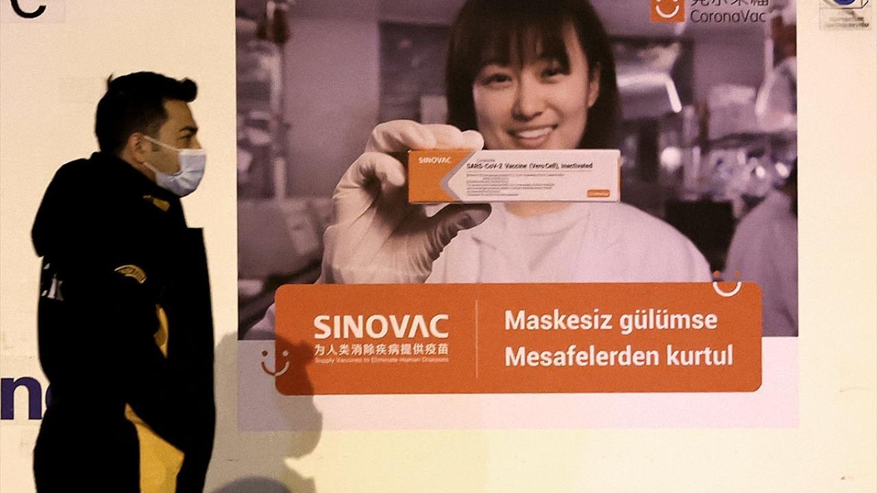 Türkiye'ye gelen aşıların üzerinde dikkat çeken slogan