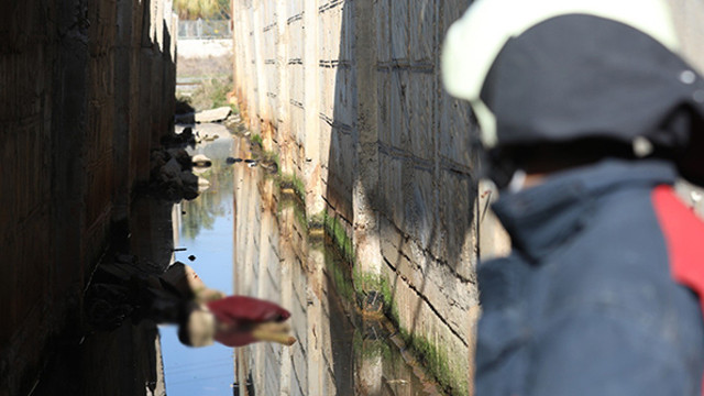 Mersin'de dehşet! Yarısı suya gömülmüş halde bulundu