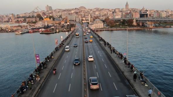 İstanbul'un balıkçıları koronavirüse olta attı!