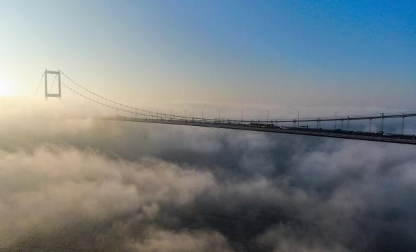 15 Temmuz Şehitler Köprüsü sis altında kaldı