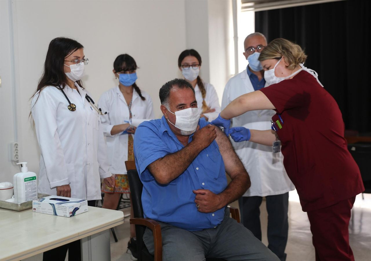 Kim ne zaman aşı olacak ? İşte koronavirüs aşısıyla ilgili tüm merak edilenler