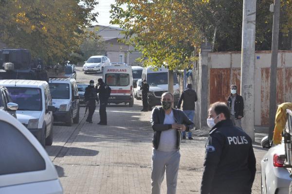 Diyarbakır'da yasağa rağmen meydan savaşı! Çok sayıda yaralı var