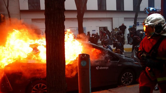 Paris yangın yeri! Şiddet olaylarında 30 gözaltı