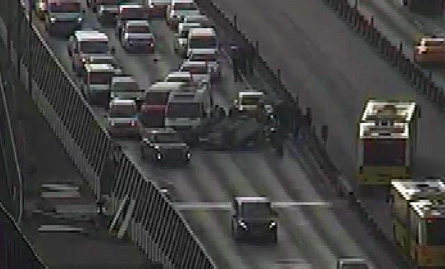 İstanbul çevre yolunda araç takla attı