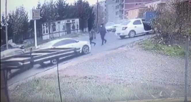 İstanbul'da film sahnesini aratmayan gasp girişimi kamerada