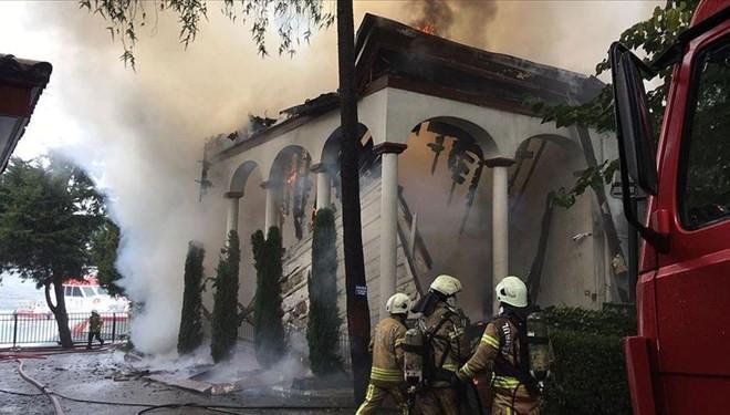 Tarihi Vaniköy Camii'ndeki yangında kusurlu bulundu
