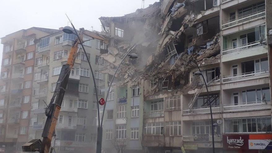 Deprem bölgesinde şoke eden iddia: ''Deliller yok edildi!''