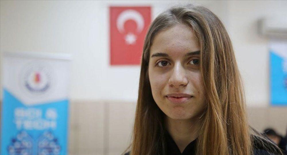 ''Çılgın Türk'' öğrenci Zeynep'ten yüz tanıma sistemi