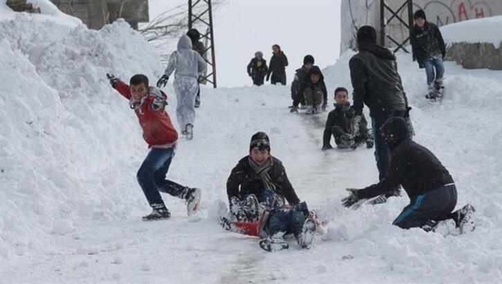 Eğitime kar engeli ! Yarın o illerde okullar tatil