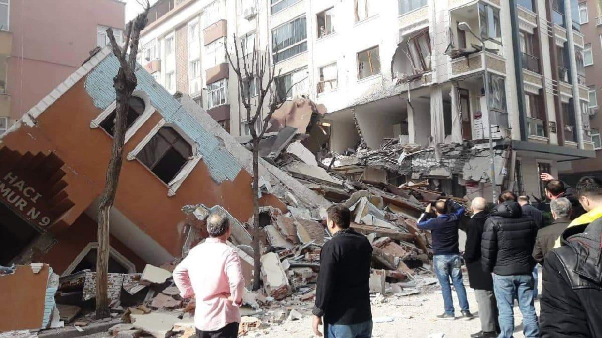 İstanbul'da çöken 7 katlı binanın enkazından skandal çıktı!