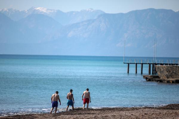 Antalya'da kış ortasında yaz havası
