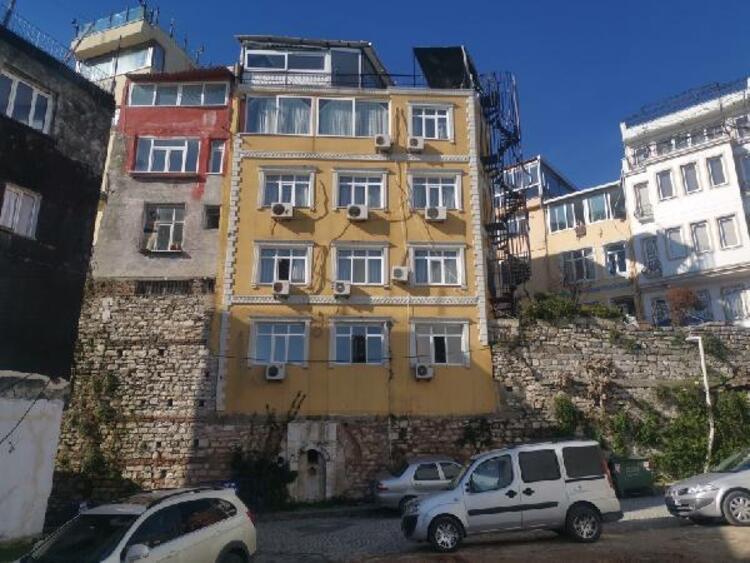 İstanbul'da surların üzerine yapılan otel şaşırtıyor - Resim: 3