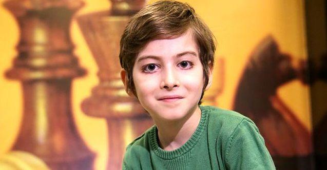 Filozof Atakan'dan Aleyna Tilki'yi üzecek yanıt