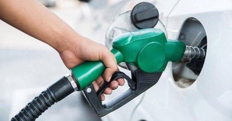 Araç sahiplerine kötü haber: Benzine okkalı zam geliyor!