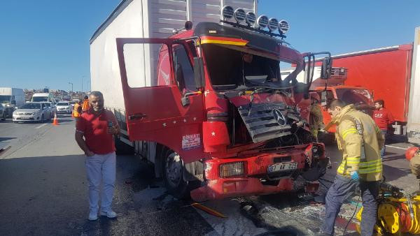 İstanbul'da zincirleme kaza! Trafik felç oldu