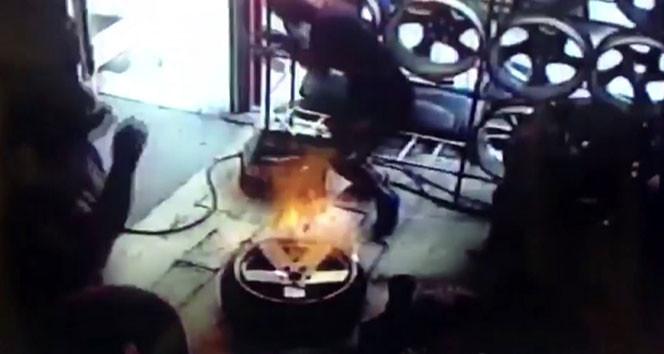 Nitrojen dolu motosiklet lastiğinin patlama anı kamerada