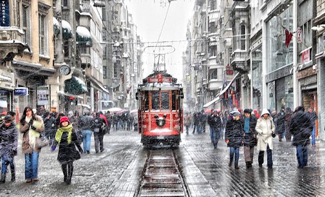 İstanbul'da kar hasreti bitiyor ! Peş peşe uyarı