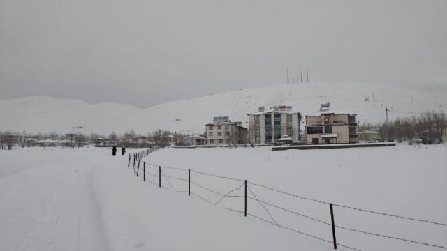 Bingöl'ün 2 ilçesinde eğitime kar engeli