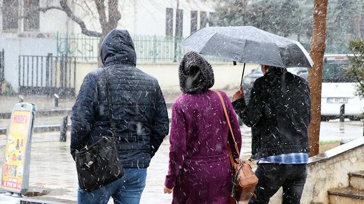 İstanbul'da beklenen kar yağışı başladı ! Peki ne kadar sürecek ?