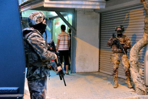 Adana'da DEAŞ ve El Kaide operasyonu