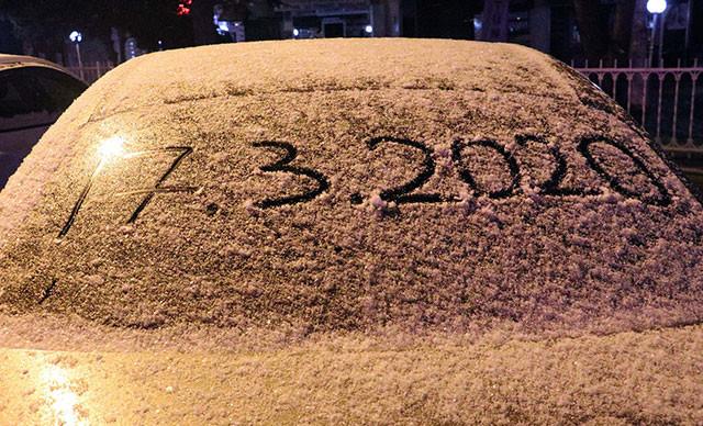 Kış Ankara'ya geri döndü! Sabaha karşı kar sürprizi