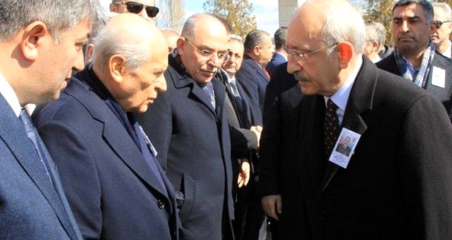 Bahçeli, Kılıçdaroğlu'un elini sıkmadı