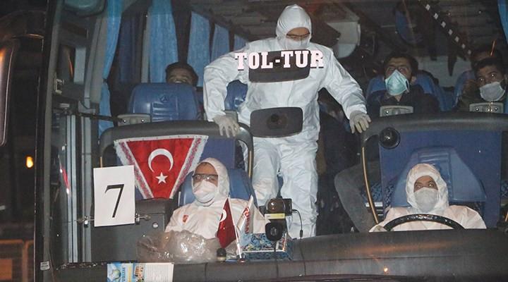 Türkiye'ye dönemeyen öğrenciler sokakta kaldı!