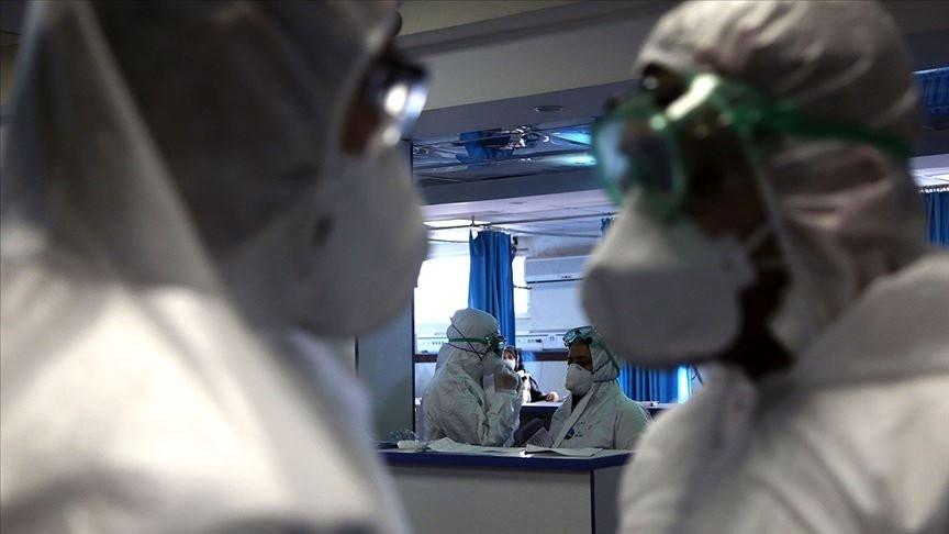 Koronavirüsün gün gün belirtileri açıklandı