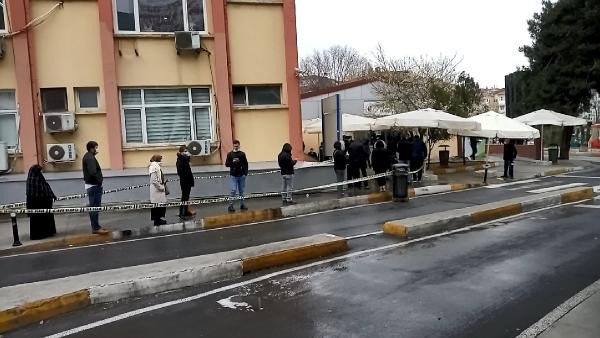 İstanbul'da korona testi kuyruğu bugün daha da uzadı